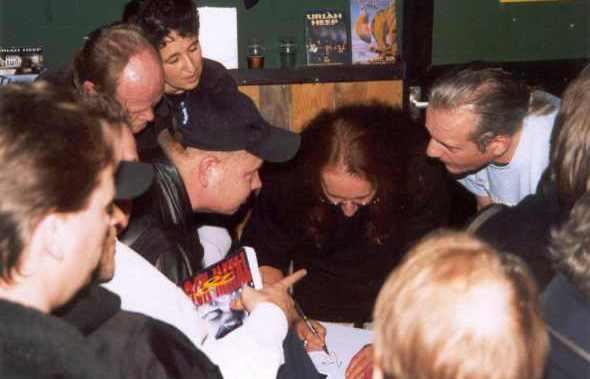 Uriah Heep - Mick Box - Helmond - 2001