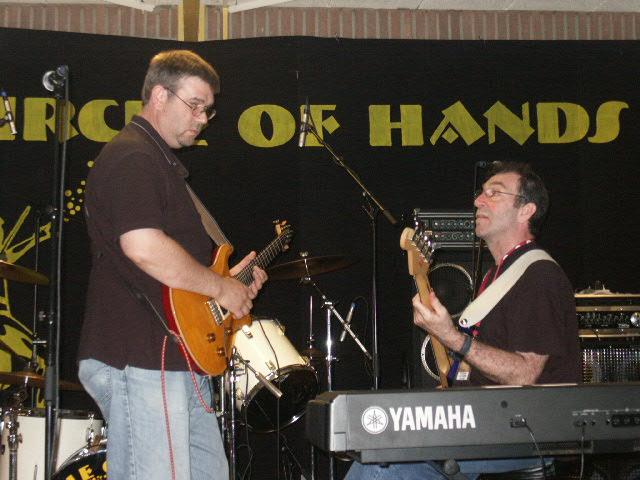 Uriah Heep market soundcheck Circle of Hands
